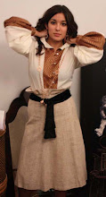 Blusa en algodón y seda con falda de cinto potro en seda y algodón