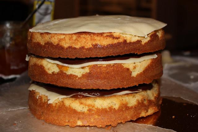sweet tarte: pistachio petit-four cake