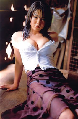 Sayaka Isoyama sexy foto