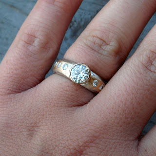 recycled gold moissanite