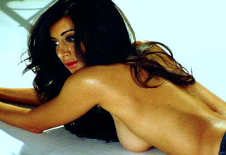 noureen dewulf naked