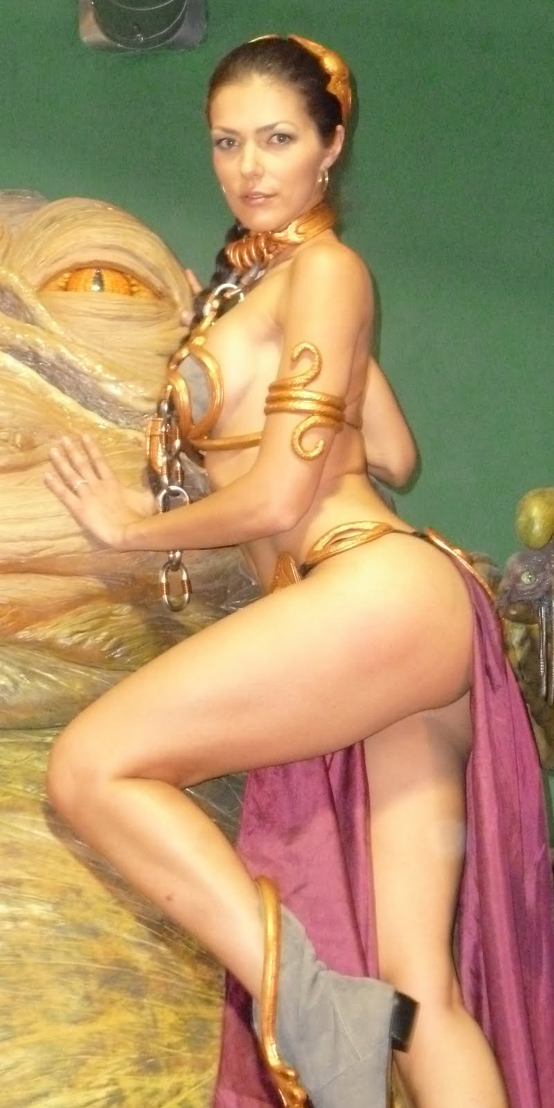 adrianne curry slave leia