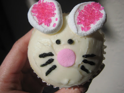 decorating cupcakes for easter. I had a blast, decorating the