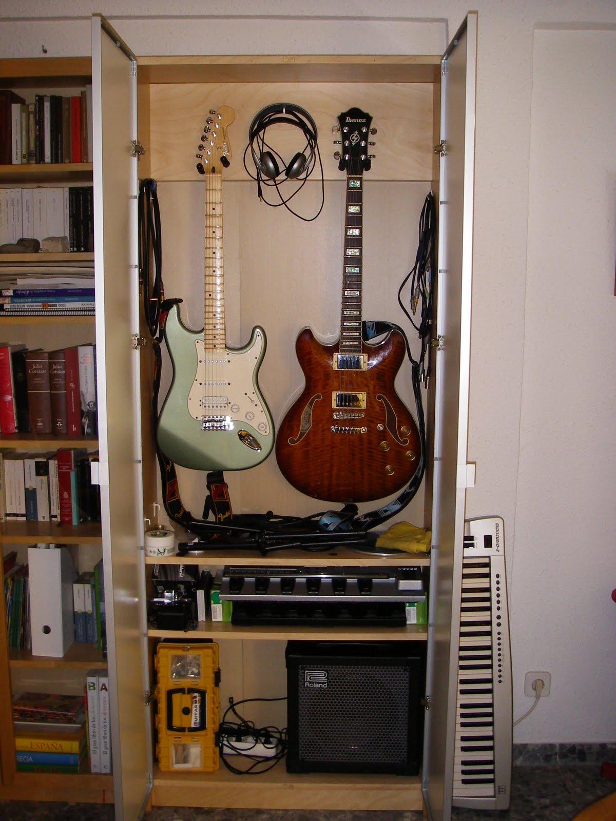 Guitarras a salvo mi llave allen for Mueble guitarras