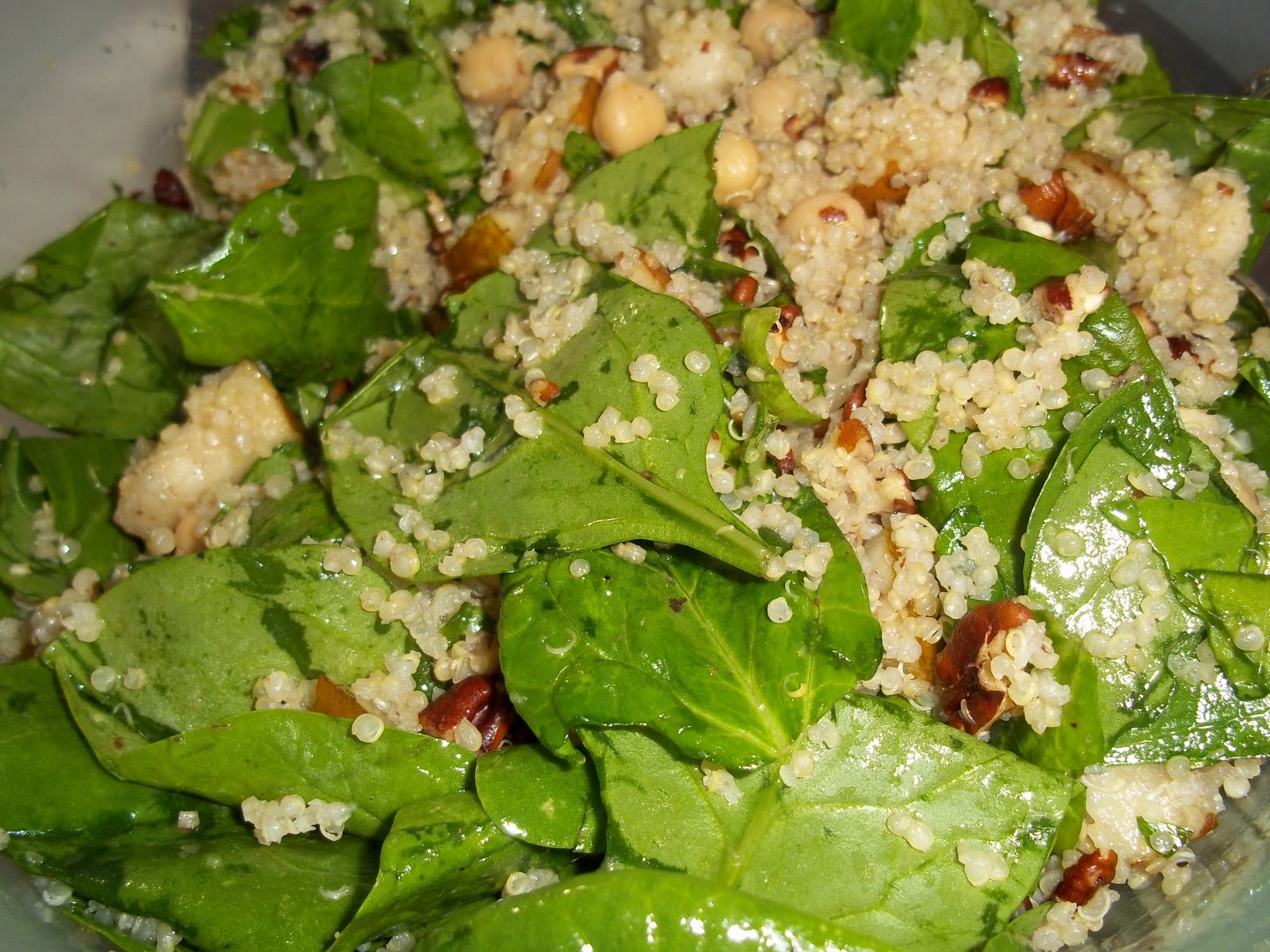 Quinoa Salad Recipe with Pears, Baby Spinach and Chick Peas in a Maple ...
