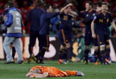espana-vs-holanda-mundial-futbol-sudafrica-2010-golazo-andres-iniesta.jpg