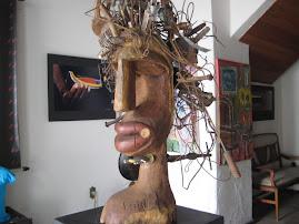 """Escultura """"Cabeça do Ferreiro Celestial """""""