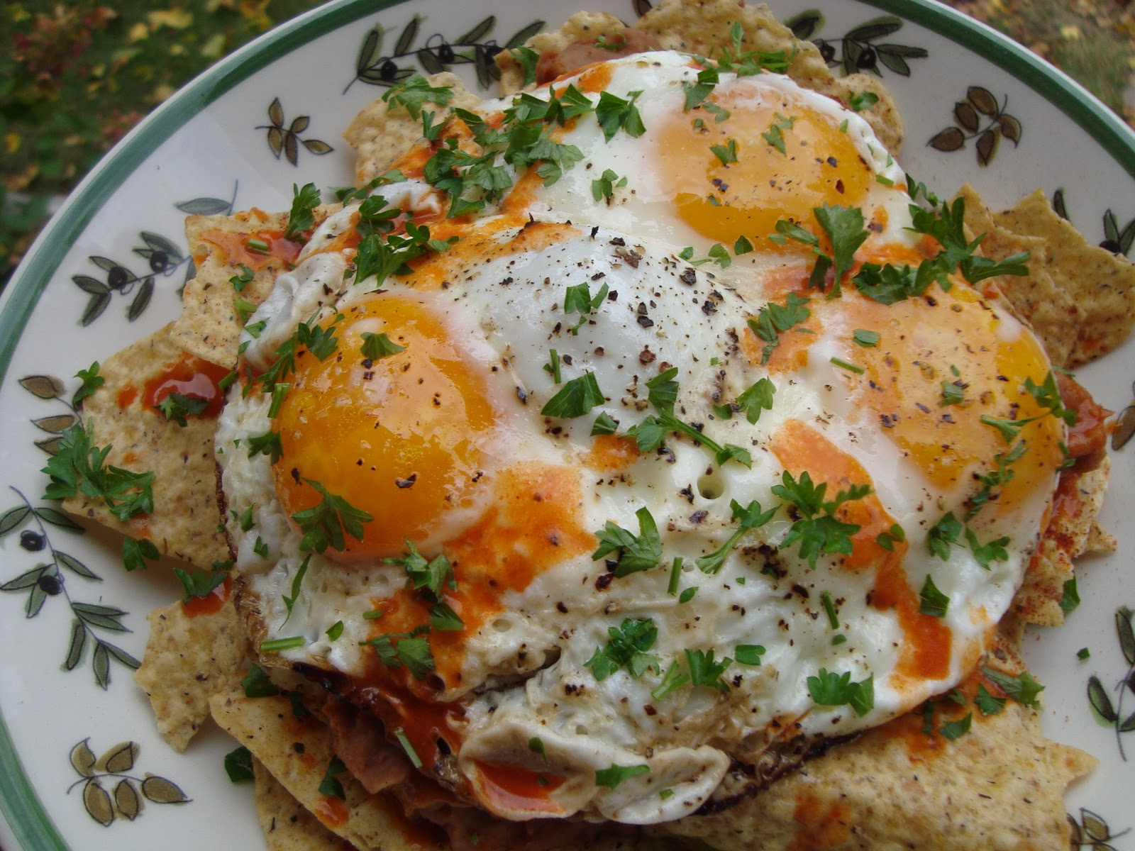 Couple in the Kitchen: Wordless Weekender: Huevos Rancheros