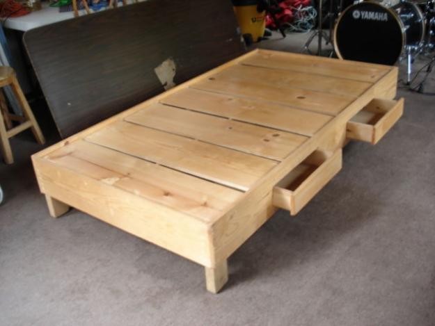 Venta de garage 2010 camas individuales - Bases de camas de madera ...