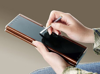 Lenovo Pocket Yoga concept laptop