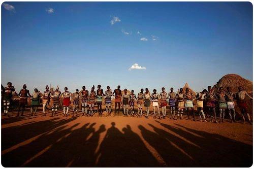 Tribus de Africa en el Valle Omo de Etiopía