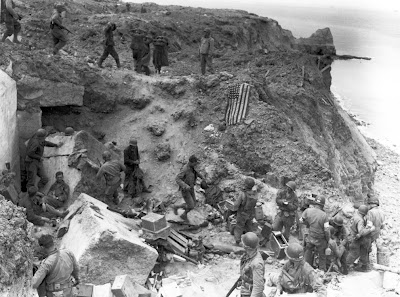 ></a><div>El pasado 6 de junio, fue el aniversario número 66 de la exitosa invasión aliada de Francia de 1944. Varias operaciones se combinaron para llevar a cabo la mayor invasión anfibia de la historia - más de 160.000 tropas desembarcaron el 6 de junio, con la asistencia de más de 5.000 barcos, bombardeos aéreos, planeadores y paracaidistas. Miles de soldados perdieron la vida en esas mismas playas en ese día - y más que siguieron hasta que la invasión tuvo éxito y las tropas comenzaron a empujar las fuerzas alemanas hacia el Este, llevando eventualmente a la victoria aliada en 1945.</div><br><a href=