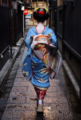 Fotografías e imágenes de Geishas (Mujeres y Kimonos)