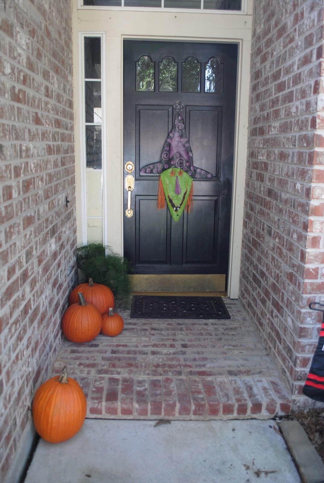 halloween decorations 2010. Black Bedroom Furniture Sets. Home Design Ideas