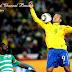 Luis Fabiano comemora o segundo gol, que teve ajuda da 'Mão de Deus'