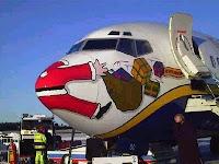 Avión atropella a Papá Noel