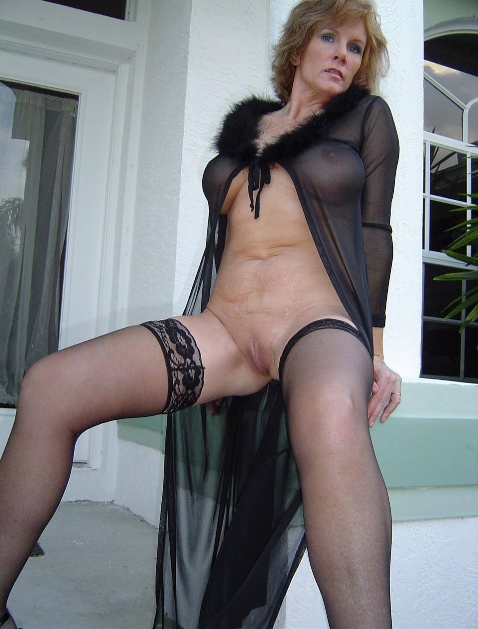Cougar in lingerie porn