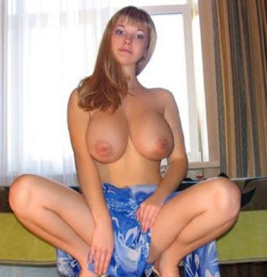 Big middle tits naked aged