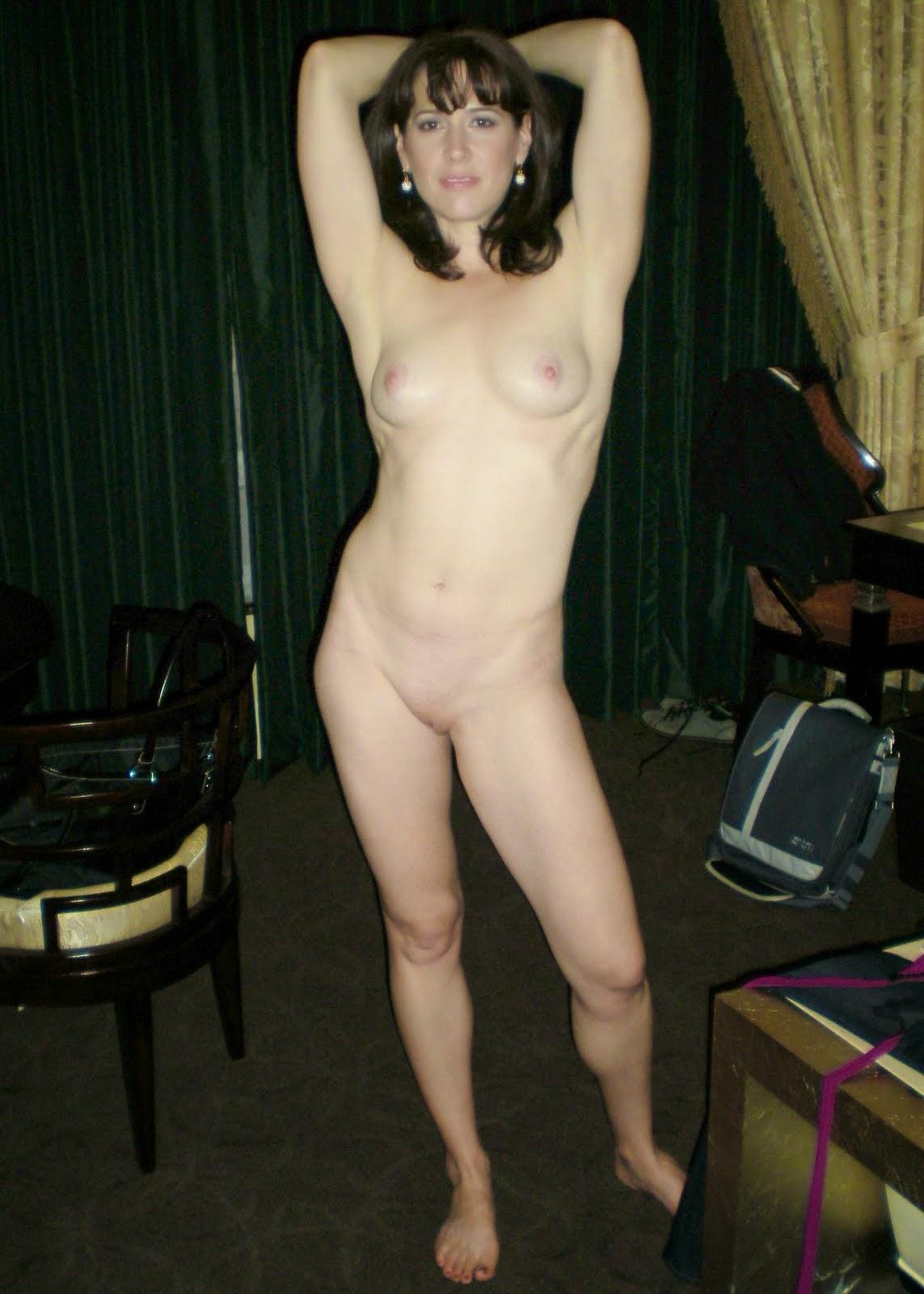 голая жена позирует фото