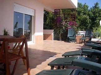 [villa+terrace]