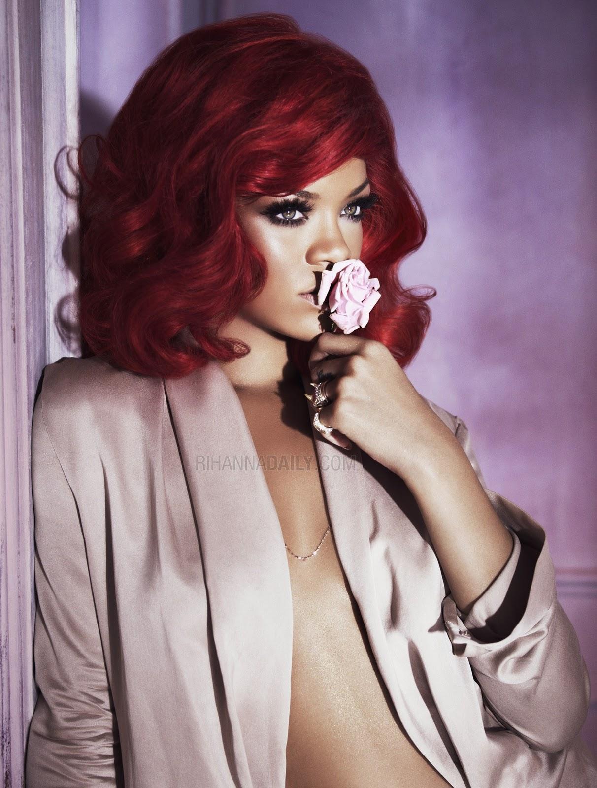 http://2.bp.blogspot.com/_EbSlokxNmbo/TSomWQChI4I/AAAAAAAAE6U/xO5RephHEPM/s1600/Reb-L-Fleur-Perfume-rihanna-17894022-1875-2500.jpg