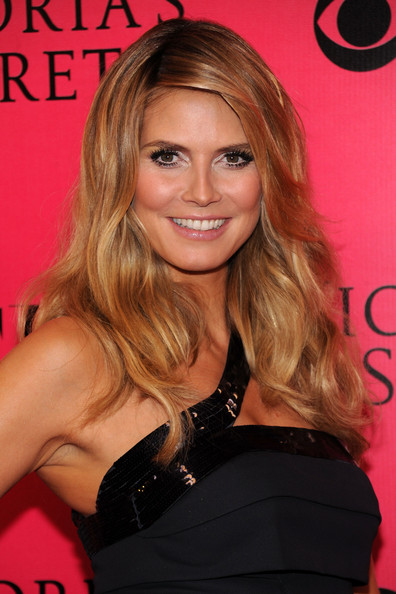 Long Wavy Cute Hairstyles, Long Hairstyle 2011, Hairstyle 2011, New Long Hairstyle 2011, Celebrity Long Hairstyles 2137