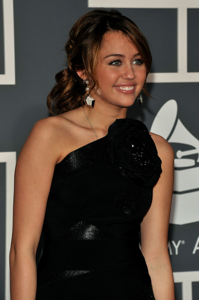 miley cyrus hair updo. miley cyrus hair straight