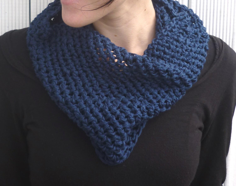 http://2.bp.blogspot.com/_EdTLsV4aqiE/TO1zbGHgNCI/AAAAAAAAAU4/A_N4BaMru1k/s1600/Soft+Cotton+Crochet+Cowl.jpg
