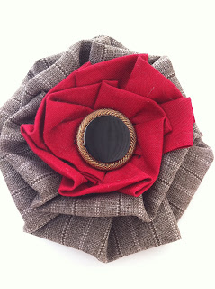 red_pleated+pin.jpg