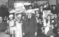 רומקובסקי אהב להצטלם עם ילדים אסירי תודה