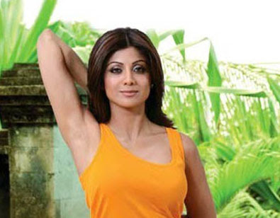 Bollywood Actress Shilpa shetty shares her fitness secrets with yoga