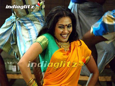 Kollywood famous song Kathaaza Kannale dancer Snigdha turns to actress in Lawrence film