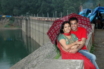 Gopika Honeymoon in Munnar with her hubby Ajilesh