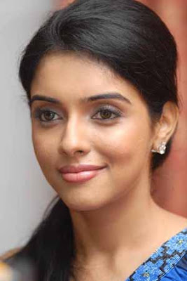 Asin spoke to the Kerala media for the first time in Thiruvananthapuram - Exclusive