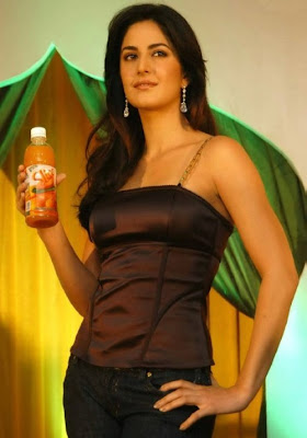 Hottest beauty Katrina Kaif looks really pretty at Aam Sutra Slice Publicity Photos
