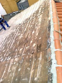 Fotos de reparacion tejado de madera trabajos en for Tejado de madera madrid