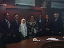 Bersama Naib Canselor (Datuk Rafiah Salim) & Tim. Naib Canselor Uni. Malaya