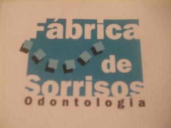 Apoio e Colaboração - Fábrica de Sorrisos Odontologia - Av. Rei Alberto I, 367 cj.53 Ponta da Praia