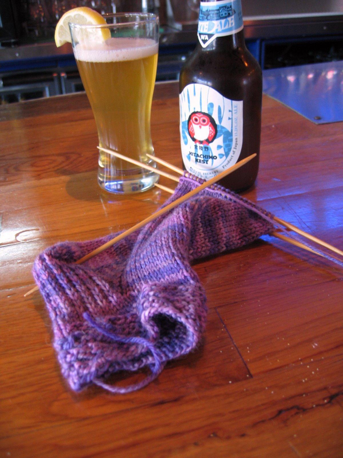 [Lunchtime+knitting,+Sara's+socks+10]
