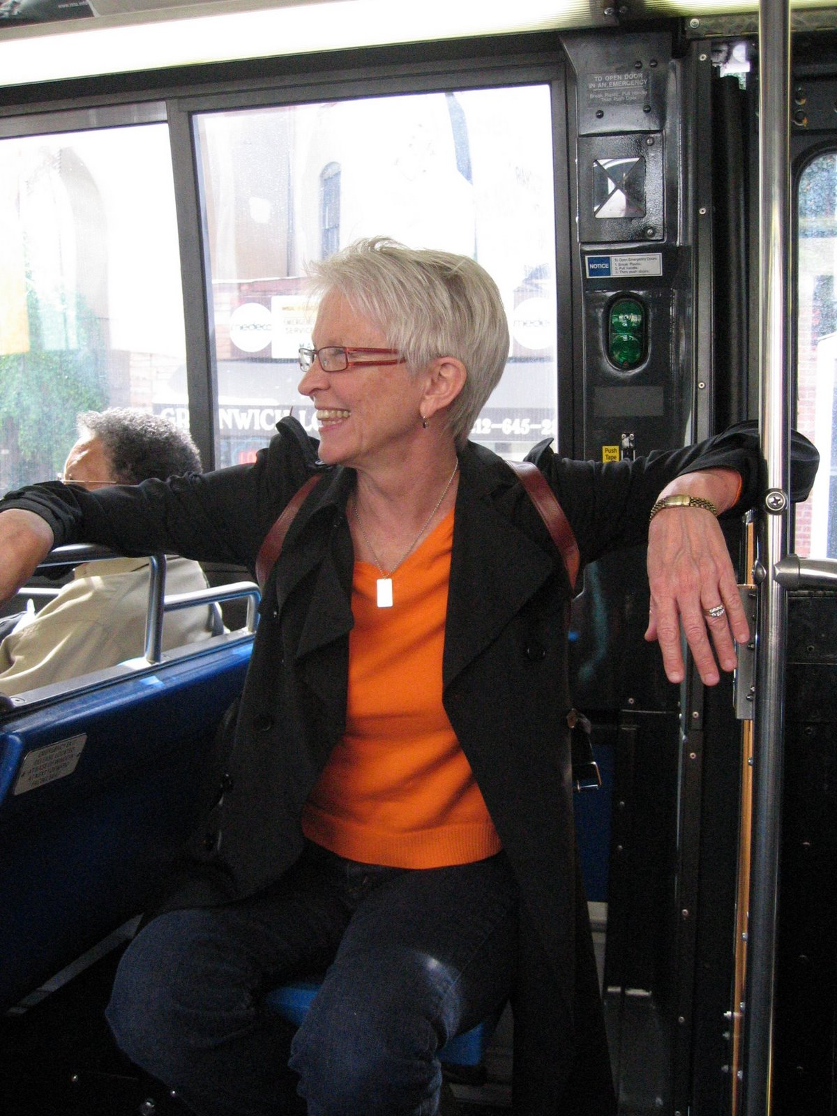 [Mom+perches+with+excitement+on+the+downtown+bus]