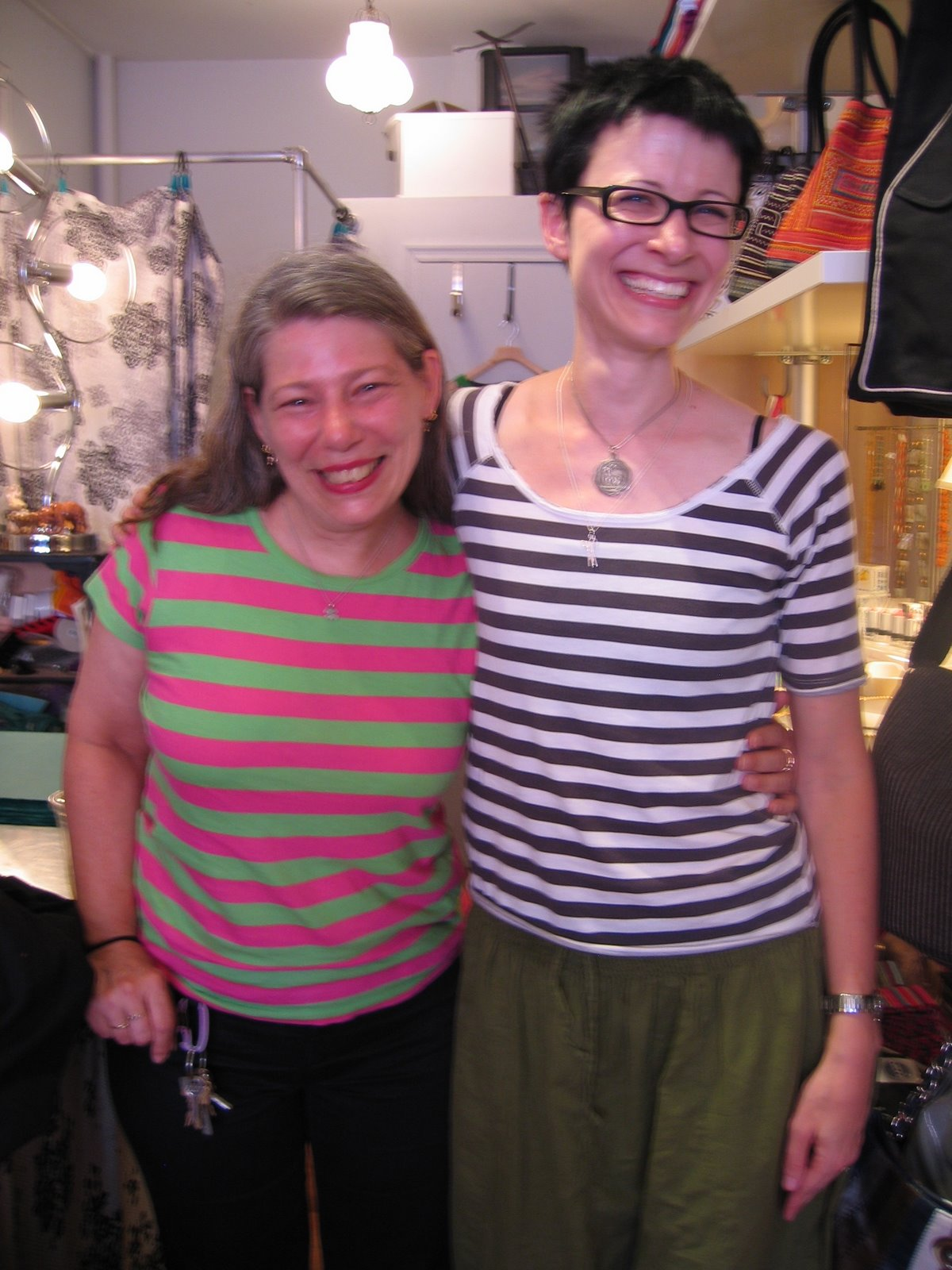 [Ann+and+Stacey+Joy+in+Brooklyn+(note+the+twin-like+use+of+stripes)]