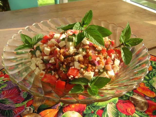 Marie est dans son assiette salade de tomates et d 39 peautre - Que faire avec des tomates du jardin ...