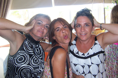 Yo, Mariola, de bromas con mis hermanas