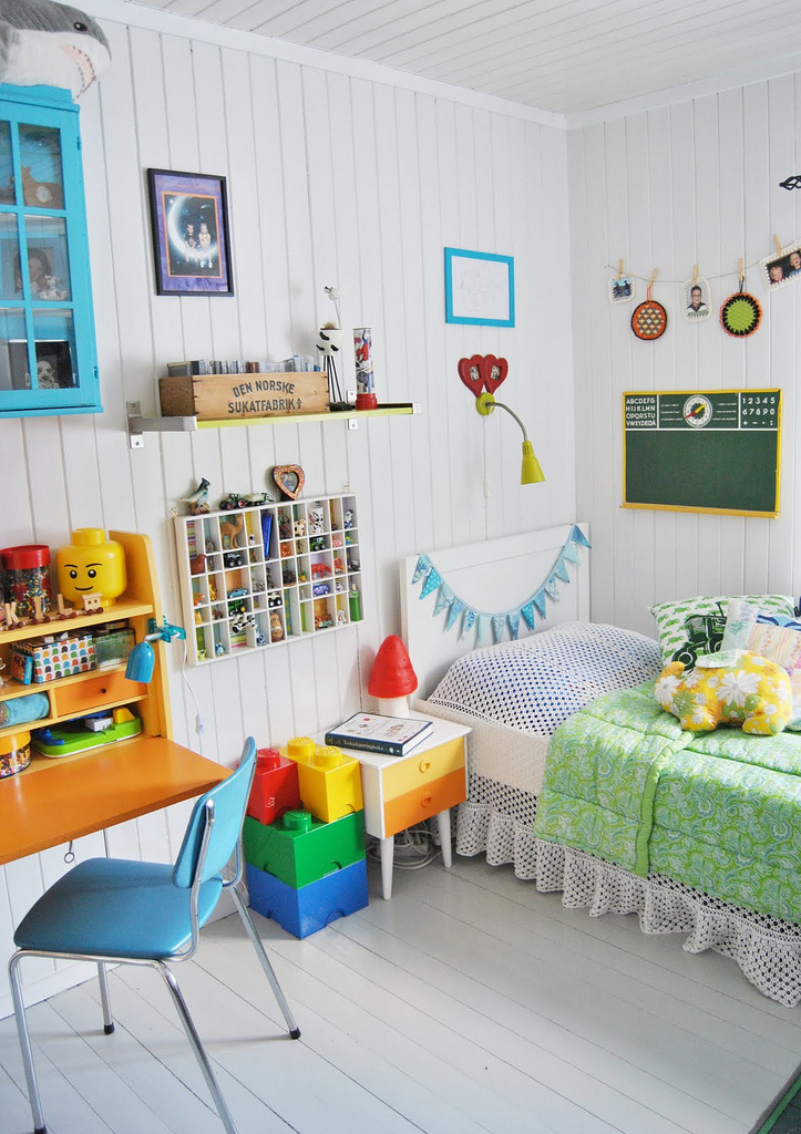 the boo and the boy: Vintage/eclectic kids rooms