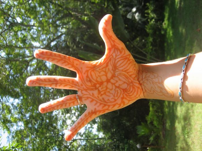 Henna oder Mehanti genannt