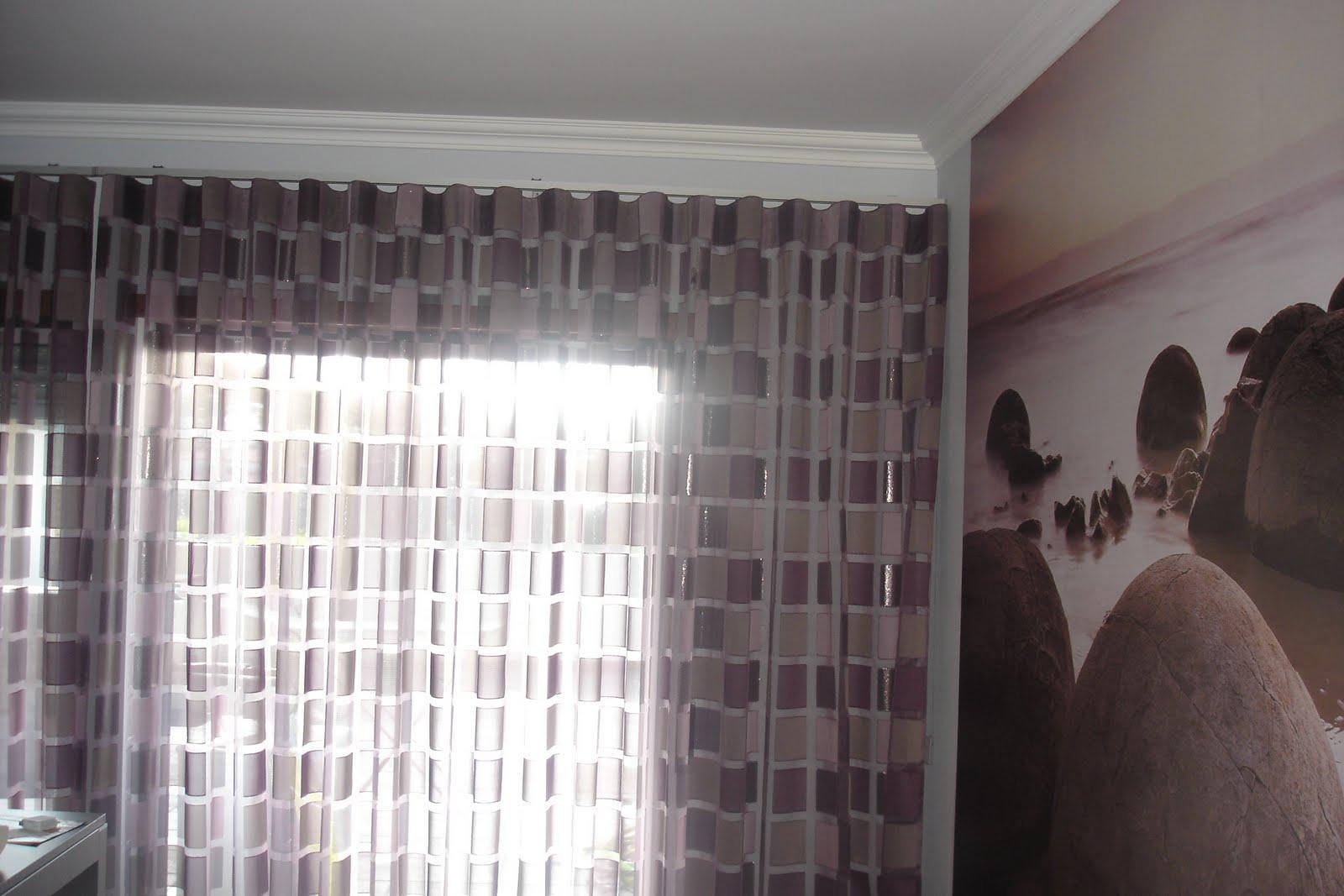 lojas de decoracao de interiores em leiria : lojas de decoracao de interiores em leiria: de praia com pedras e cortinado executado em calha com cor semelhante