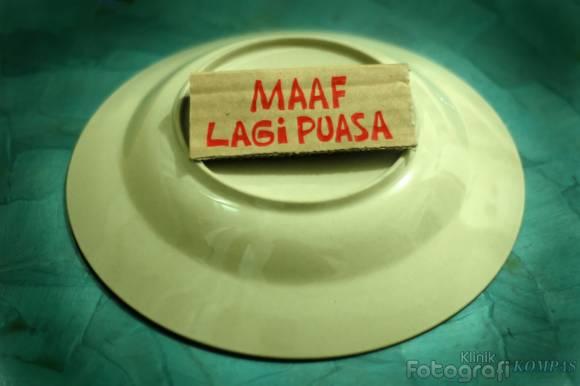 http://2.bp.blogspot.com/_ElM4MJikmdM/TIhhFWiCuCI/AAAAAAAAAAc/1jZ55qOiAxk/s1600/maaf_lagi_puasa_kompas.jpg