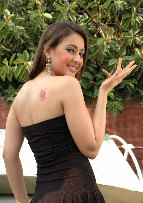 preeti jhangiani hot photoshoot