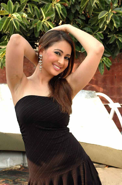 preeti jhangiani hot images