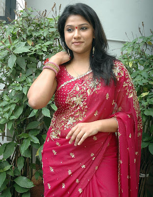 spicy side actress of tollywood jyothi hot and exposing stills in red saree